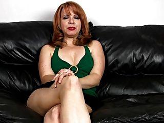 मेरी प्यारी माँ 12 (खूबसूरत पैरों के साथ मालकिन)