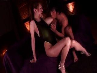 Hitomi तनाका स्तन मालिश।जापानी बड़े स्तन सेक्स क्लिप
