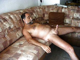 auf dem सोफा