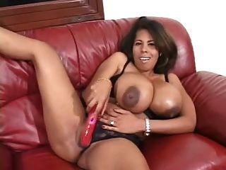 वैनेसा डेल बड़ा काला स्तन