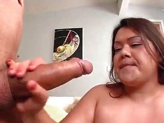 बहुत सुंदर बीबीडब्ल्यू खाती है और सेक्स से पहले खाया जाता है