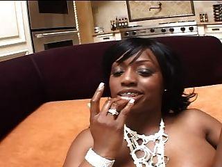काली लड़की दो सफेद लंड उसे गर्म लूट पंप हो जाता है