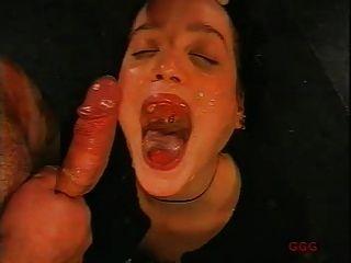 बेट्टी पर spermed