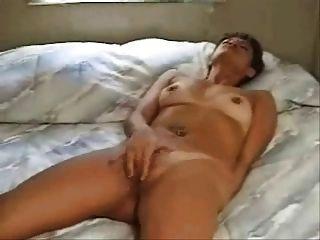 महिला बिस्तर पर संभोग करने के लिए मलाई (edquiss द्वारा)