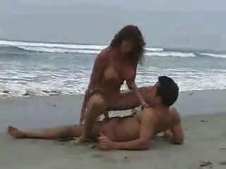 समुद्र तट 2 पर सेक्स
