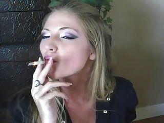 सबसे अच्छा धूम्रपान लड़की कभी !!!!!!!!!!!!!!