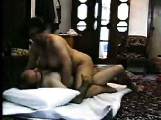 अरब संचिका पत्नी अजनबी के साथ गर्म घर का बना सेक्स