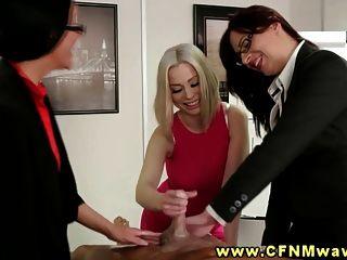 सीबीटी कार्यालय sluts अपनी बैठक के दौरान उनके सह कार्यकर्ताओं उड़ा