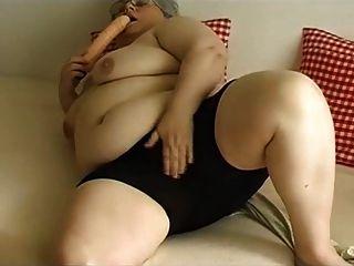बीबीडब्ल्यू दादी हस्तमैथुन