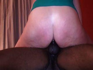 गर्म परिपक्व पत्नी बीबीसी जंगली और squirts सवारी