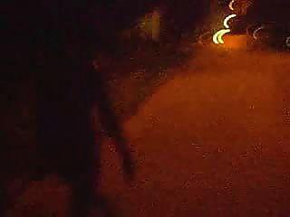 नग्न रात चलने