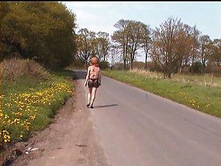 सड़कों पर देखने के माध्यम से माइक्रो स्कर्ट में झो - नहीं जाँघिया!