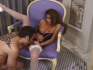 ऊँची एड़ी और मोज़ा में सेक्सी एशियाई Charmaine सितारों सेक्स