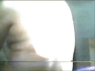 छोटे खाली saggy स्तन के साथ खेल