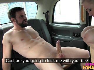 femalefaketaxi समुद्री चालक एक अच्छा बकवास देता है