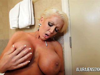 बड़े स्तन milf Alura जेनसन और सारा जे समलैंगिक गुदा बिल्ली