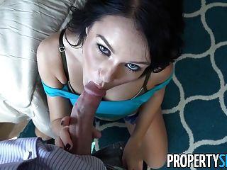 propertysex - युवा श्यामला कैमरे पर उसे मकान मालिक बेकार