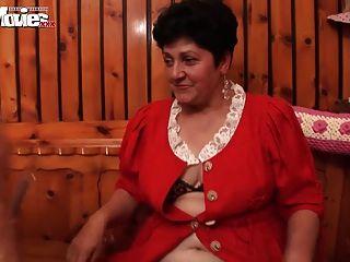मजेदार फिल्में सींग दादी समलैंगिकों