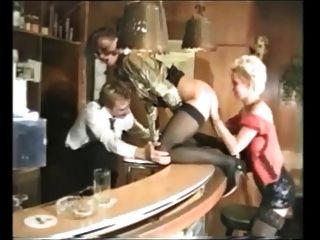 मोजा में कई अच्छी जर्मन परिपक्व महिलाओं के साथ ग्रुप सेक्स