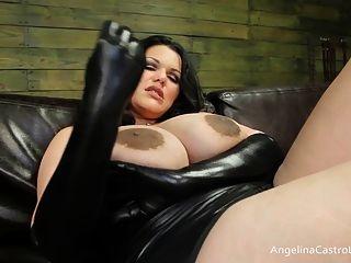 बिग titted एंजेलीना कास्त्रो वर्चस्व लंड!
