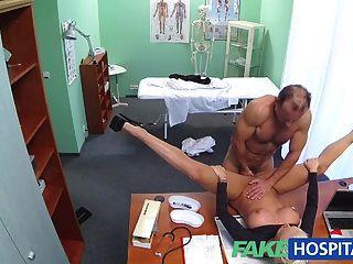 FakeHospital गंदा डॉक्टर fucks सेक्सी पोर्न स्टार