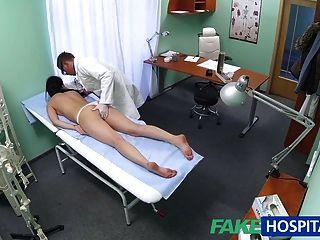 FakeHospital सेक्सी रोगी पीछे से उसे पसंद करती है उसे नए के साथ