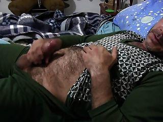बिस्तर में Str8 पिताजी नाटक