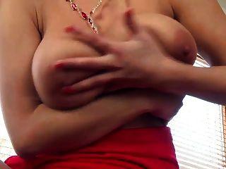 बड़े स्तन झटका बंद प्यार करता है