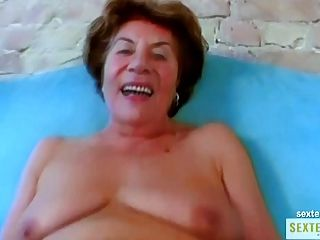 ओमा (74) मर आल्ट gierige kokusmatte
