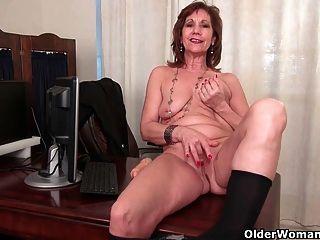 व्यापार औरत pantyhose में masturbates