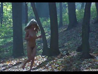 कैरिन Hofmann नग्न - गर्मी में परिचारिका