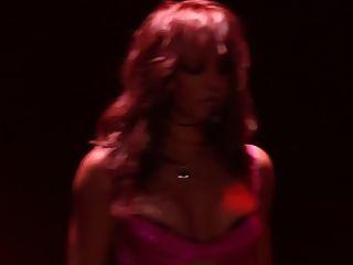 ब्रिटनी स्पीयर्स चुनौती झटका बंद