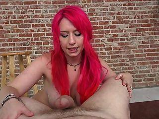 प्रॉक्सी Paige मैला tugjob करता है