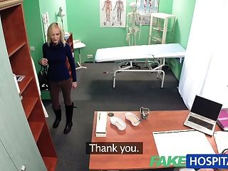 FakeHospital पतली गोरा डॉक्टरों की सलाह लेता है
