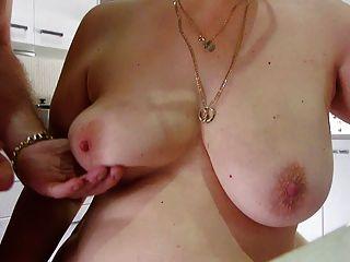 wifeys बड़े स्तन पर सह फिर मैं इसे चाटना