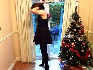 जांघ जूते में एलिसन - क्रिसमस पेड़ के नीचे wanking
