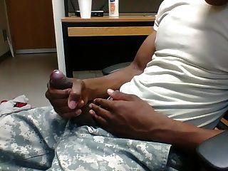 कार्यालय इकाई में Str8 सेना पुरुष स्ट्रोक