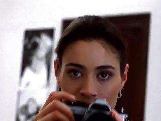 एलिसा मिलानो - पिशाच (slomo संकलन) के गले लगाओ