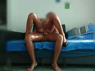 एमआईएलए के साथ हार्ड सेक्स