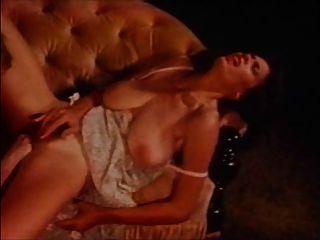 विंटेज - बड़े स्तन 08