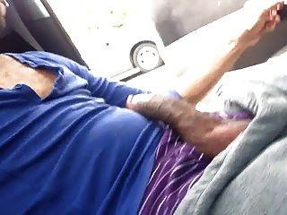 कार में Str8 काले आदमी स्ट्रोक