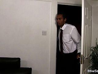 काले पति बीबीडब्ल्यू पत्नी पर धोखा देती है
