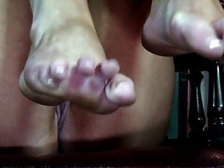 फ्रेंच पेडीक्योर पैरों एकल के साथ सेक्सी नग्न एमआईएलए