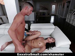 exxxtrasmall - तंग और छोटे लैटिना बड़ा मुर्गा प्यार करता है!