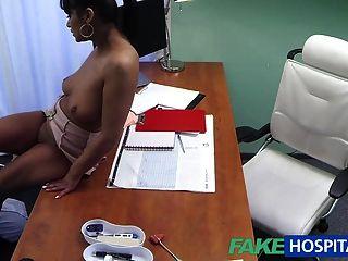 FakeHospital डॉक्टर अपनी पूर्व प्रेमिका fucks