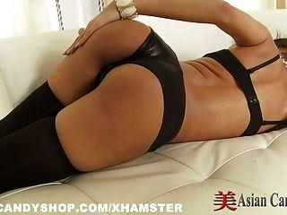 गर्म एशियाई लड़की सेक्सी एकल