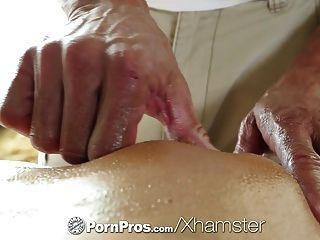 HD PornPros - सेक्सी श्यामला एड्रियाना Chechik छेद गड़बड़