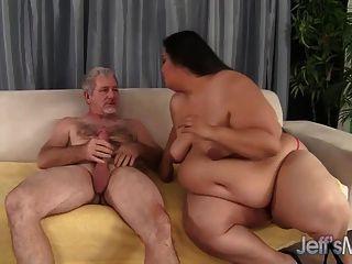 फैटी लैटिना लोरलाई givemore एक मोटी डिक आनंद मिलता है।