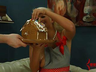 लैला कीमत जिंजरब्रेड घर से दूर क्रीम गोज़ खाती