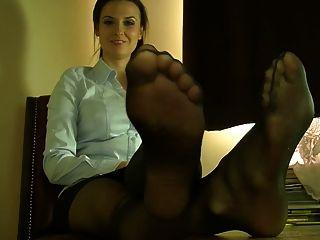 सेक्सी नायलॉन पैर और पैरों